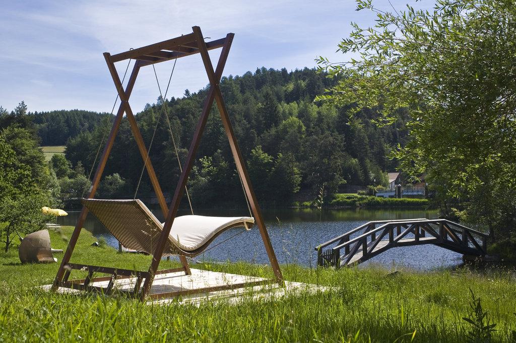 heaven swing mbm. Black Bedroom Furniture Sets. Home Design Ideas